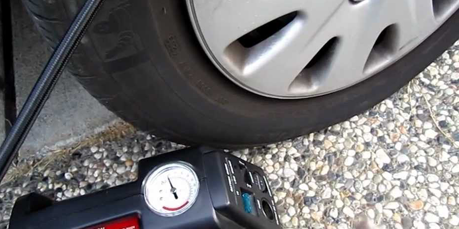 How-to-Use-an-Air-Compressor-To-Fill-a-Tire